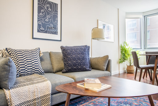 How To Get an Apartment Out of State Without a Job